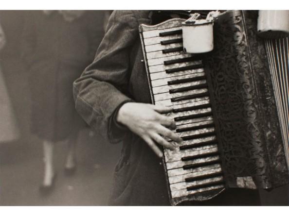 Accordionist NY, 1948.